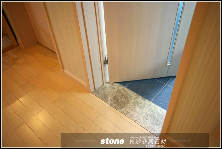 厕所门人体_门槛石也称之为过门石,门档石,简单说就是石头门槛,解决厨房厕所与